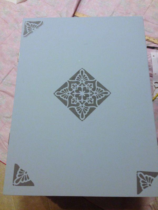 crate stencil paint 3 corners