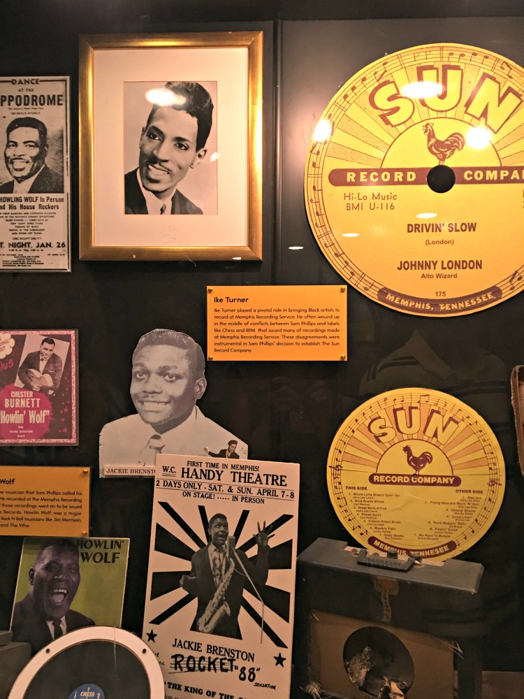 display-signs-sun-record-studio-memphis-not-just-paper-and-paint