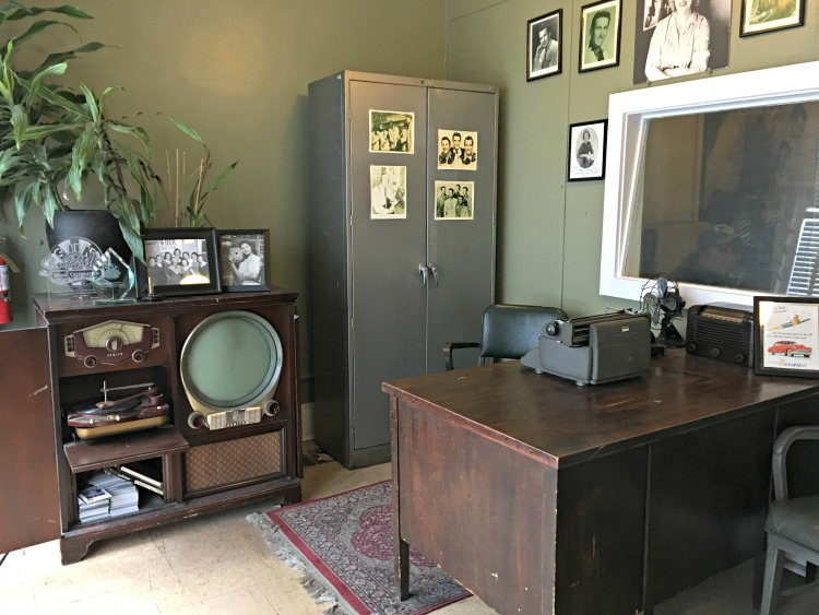 office-sun-record-studio-memphis-not-just-paper-and-paint