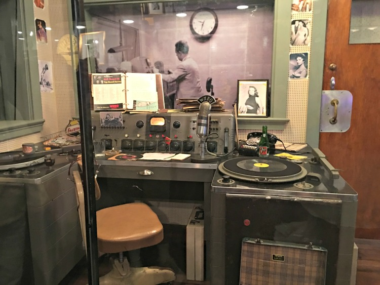 whbq-disc-jockey-sun-studio-memphis-not-just-paper-and-paint-