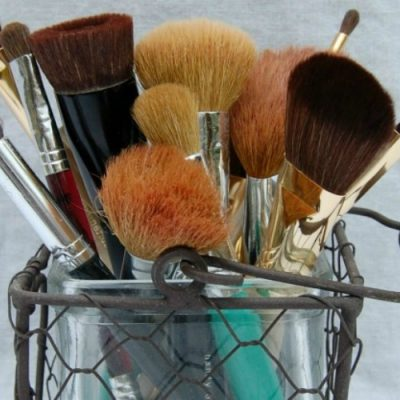 Cleaning your makeup brushes – My dirty little secret