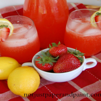 The Best Strawberry Lemonade – Ever