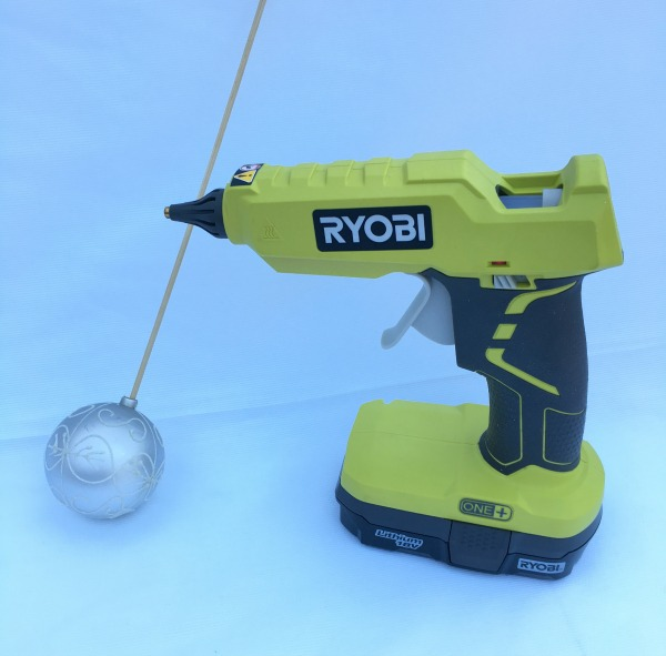 ryobi-glue-gun-pick-not-just-paper-and-paint