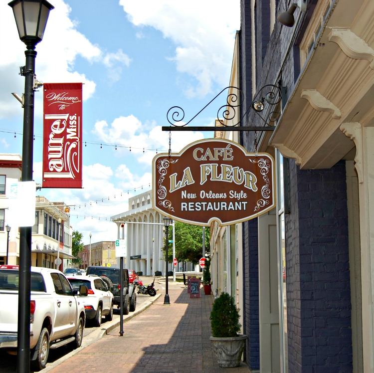 cafe la fleur restaurant in laurel MS