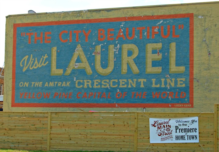 laurel Mississippi welcome sign