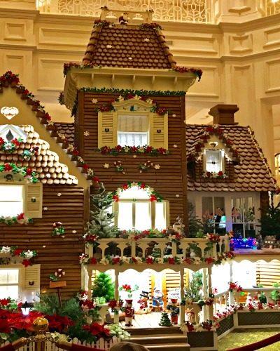 Must See Christmas Displays At Walt Disney World Hotels