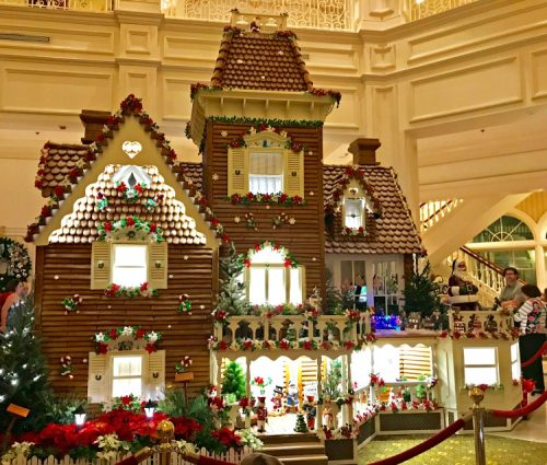 grand floridian gingerbread house walt disney world hotel displays my home and travels