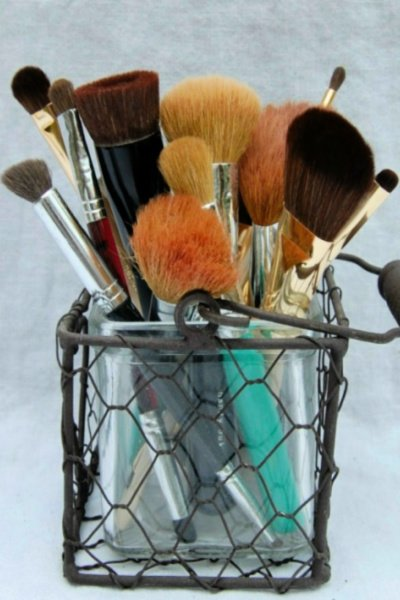 clean makeup brushes my home and travels