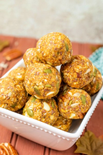 Easy and Delicious Pumpkin Spice Energy Balls my home and travels featured image