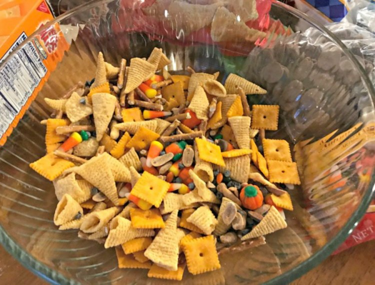 Making Monster Munch, A Fun Treat my home and travels toss and mix