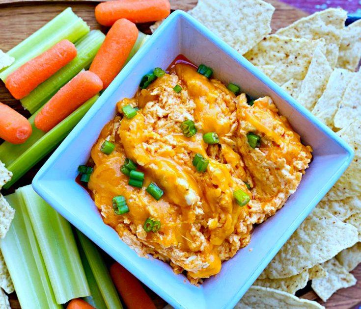 Cheesy Crock Pot Buffalo Chicken Dip
