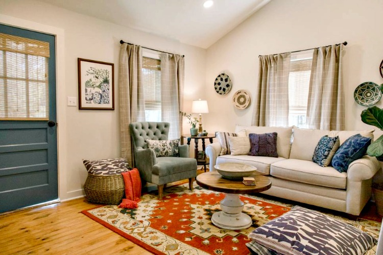 HGTV living room makeover on Home Town