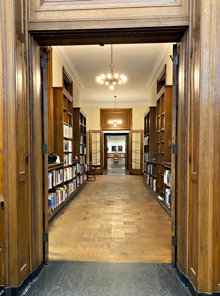 lauren rogers museum of art books