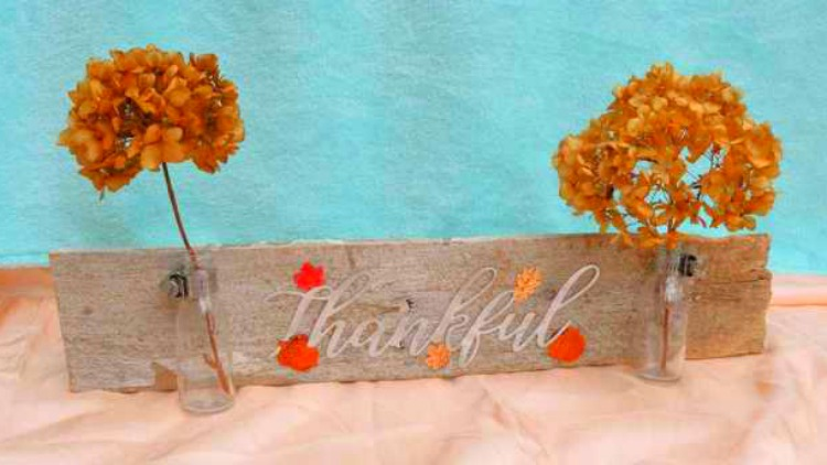 thankful wood sign diy fall decor round up of ideas