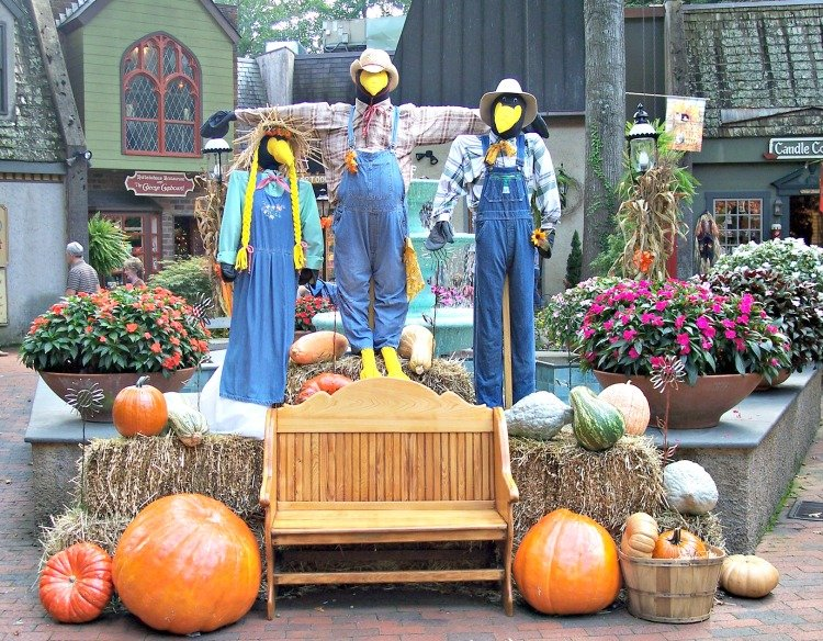 gatlinburg-attractions-feature-my-home-and-travels village decor