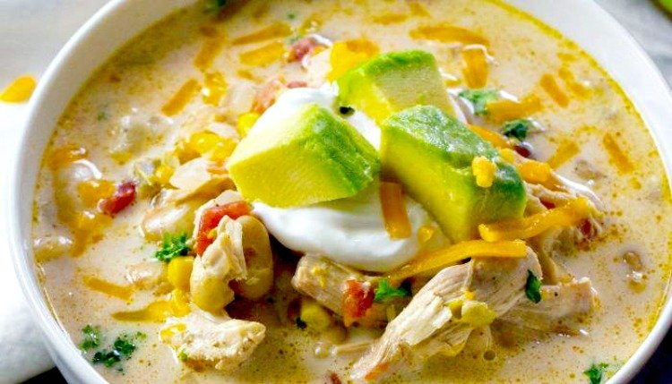 15 Crockpot Recipes For A Tailgate Party chicken chili