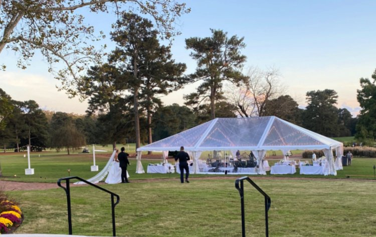 visit-to-williamsburg-my-home-and-travels-inn-wedding tent