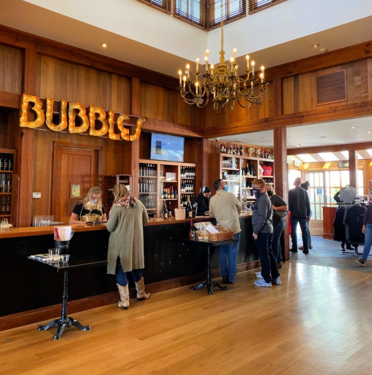 tasting-room-visit-charlottesville-my-home-and-travels