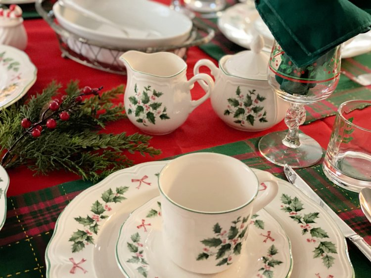 My Christmas Breakfast Menu and Table Setting