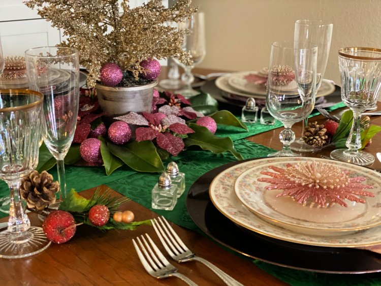 christmas in july roundup my home and travels table setting christmas china