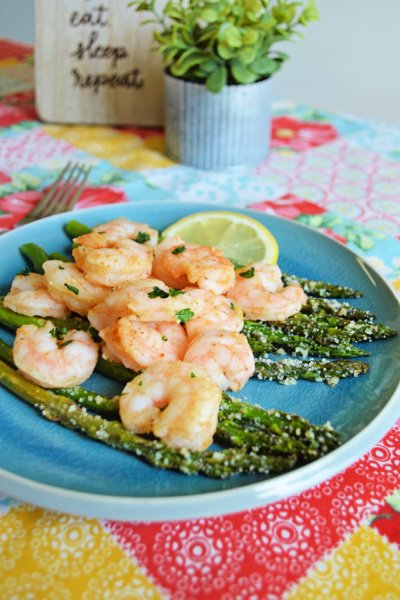 sheet-pan-shrimp-aspagus-my-home-and-travels-