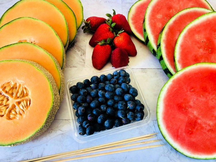 summer-fruit-kabobs-my-home-and-travels