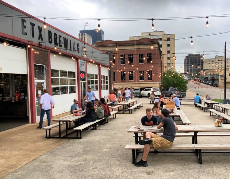 things-to-see-and-do-in-tyler-texas-my-home-and-travels- etx brewery seating outside