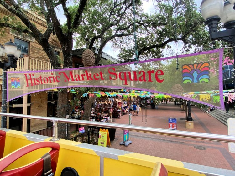 city-sightseeing-tour-san-antonio-my-home-and-travels- market place