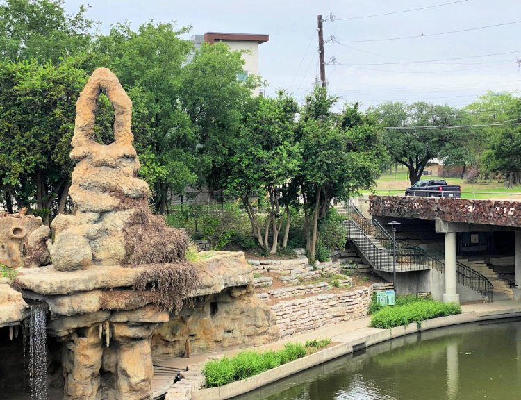city-sightseeing-tour-san-antonio-my-home-and-travels- boat tour view