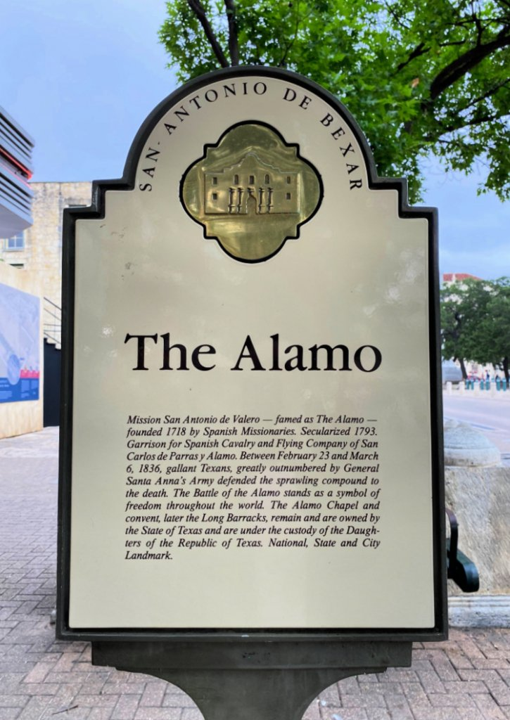 city-sightseeing-tour-san-antonio-my-home-and-travels- the alamo sign