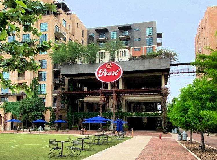 city-sightseeing-tour-san-antonio-my-home-and-travels- the pearl district