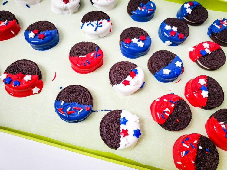 red-white-blue-dipped-oreos-my-home-and-travels